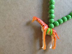 pray4Trax Necklace Giraffe (green)