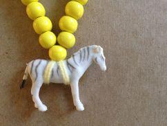 Pray4Trax Necklace Zebra (yellow)